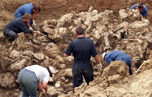 En Colombia confirman hallazgo de fosa común de 2,000 falsos positivos del Ejército que pasaron como guerrilleros