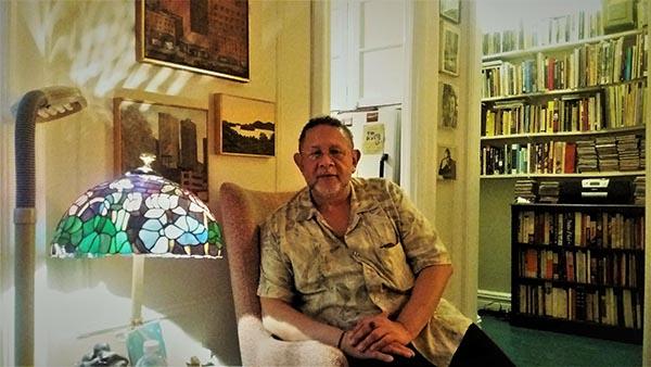 Charla El artista y el escritor acerca del Elmhurst Literary Mural el sábado 2 de diciembre