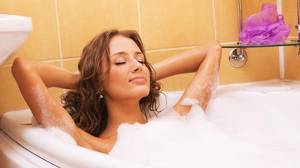 Un buen baño puede ser su mejor plan para recibir el año nuevo.