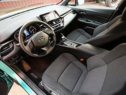 Interior del Toyota C-HR.