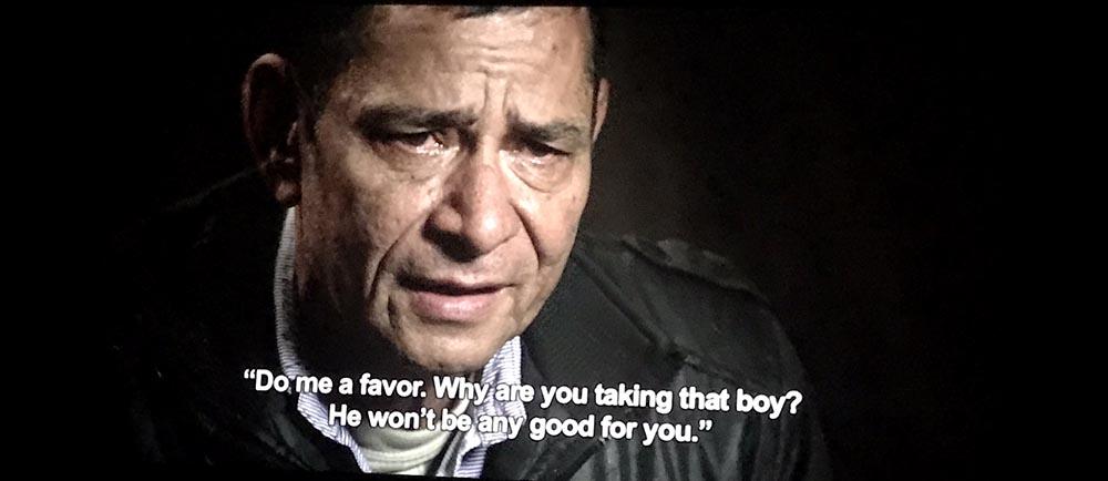 Ciro, el protagonista de la película que llora contando cómo la violencia en Colombia le arrebató su hogar y su felicidad.