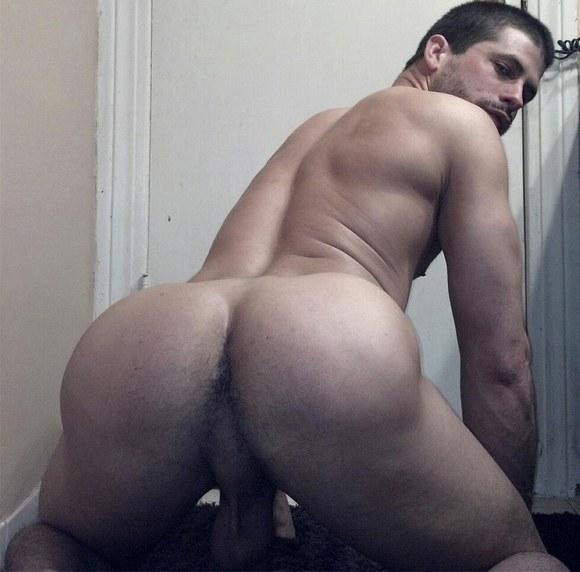 sexy muscular men naked