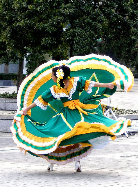 Mexican Dance Photo Credit - Flickr Tanakawho