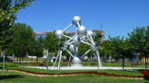 Atomium de Bruselas, junto con el Manneken Pis son los dos monumentos representados en el Parque Europa de la capital de Bélgica