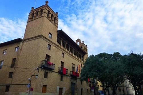 Ayuntamiento de Huesca, el edificio civil más importante de la ciudad
