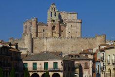 Castillo de Turégano dominando las vistas de la villa castellana