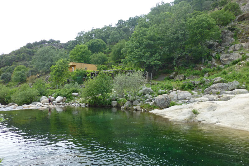 Candeleda vila gu a tur stica para planificar tu visita for Candeleda piscinas naturales