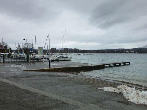 Embarcadero en el Lago de Annecy