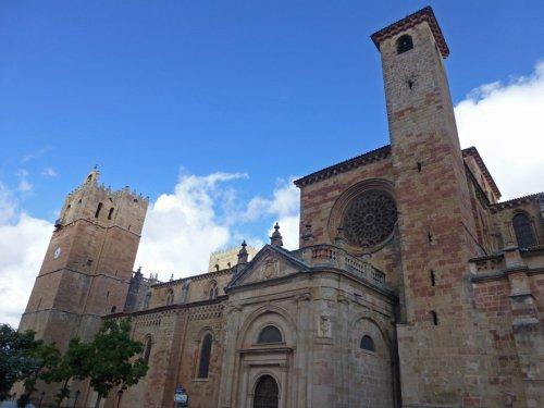 Fachada del Mercado de la Catedral de Sigüenza
