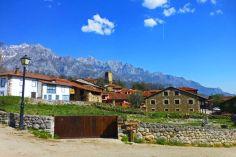Mogrovejo, uno de los dos conjuntos históricos de Liébana