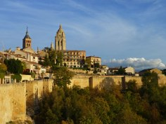 Muralla de Segovia rodeando las calles del casco histórico