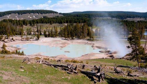 Fuente termal en el Parque Nacional de Yellowstone