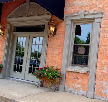Stitchin Post storefront 2