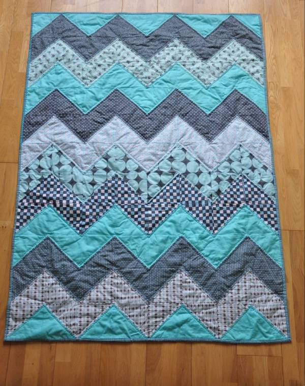 Quilting Patterns With Fat Quarters : 8 Fat Quarter Friendly Quilt Patterns Quilting