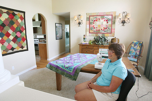 Turn your dining room into a sewing room quilting for Dining room quilter