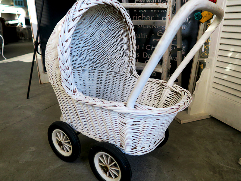 Quirky Parties Wicker Pram