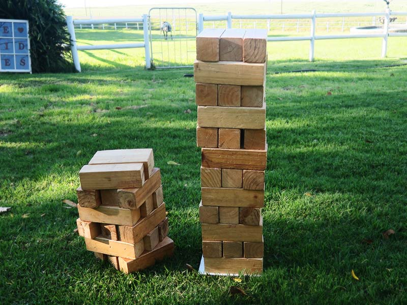 Giant jenga - Quirky Parties