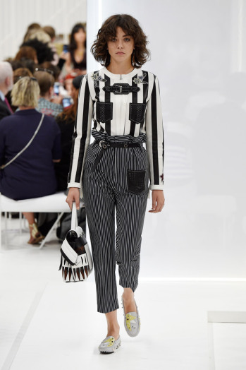 tods-spring-2016-milan-fashion-week-runway-28