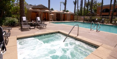 Wyndham-Anaheim-Pool