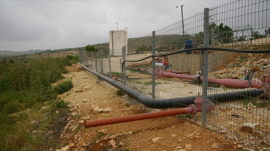 Aguas residuales provenientes de un asentamiento ilegal israelí en Cisjordania contaminan las zonas adyacentes.