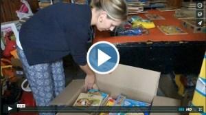 Die Spielsachen werden sortiert (Video)