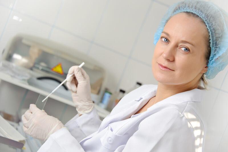Как гинеколог берет мазок у детей