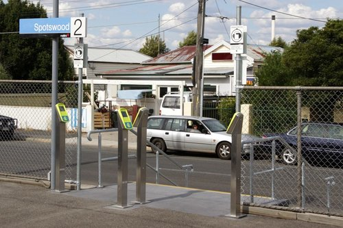 Four additional Myki FPDs installed on platform 2 at Spotswood - to ease the afternoon peak crowds of people touching off