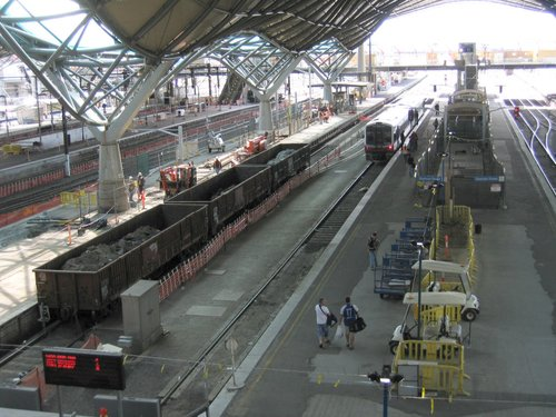 Rebuilding work on platform 7/8, works trains in attendance