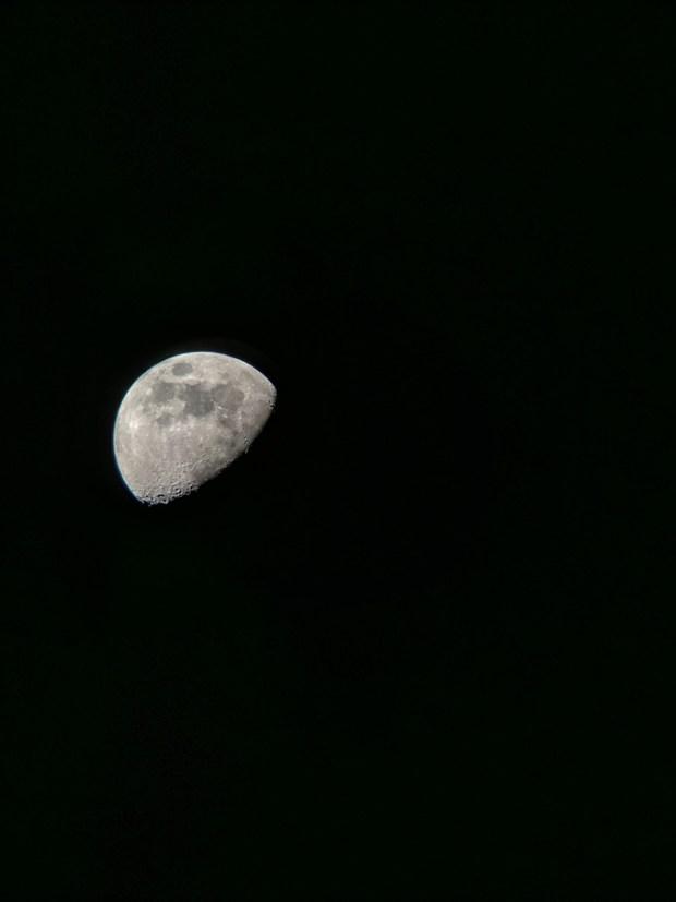 Moon_GooglePixelFullFrame