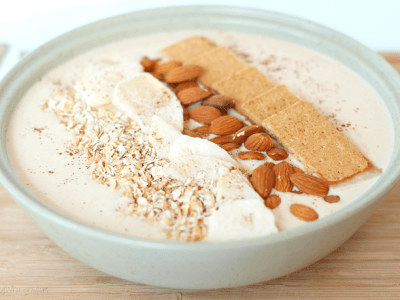 Peanut butter apple pie smoothie bowl
