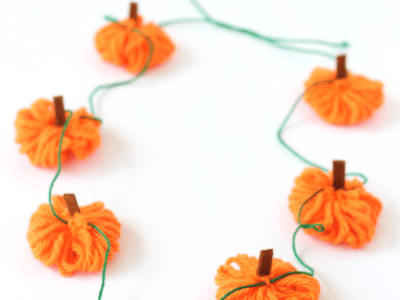 Easy yarn pumpkin necklace craft
