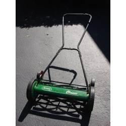 Small Crop Of Scotts Reel Mower