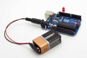 ArduinoUNO_Running_From_1x9V_Battery