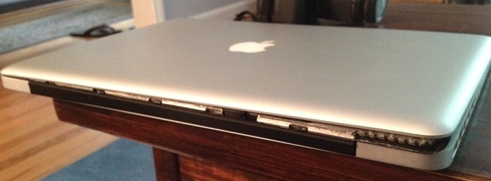 macbook pro broken hinge