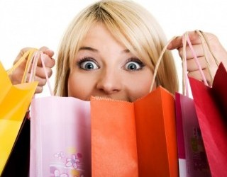 1_excited_women_shopping1-4040282