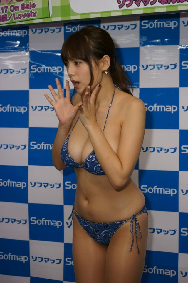 篠崎愛16