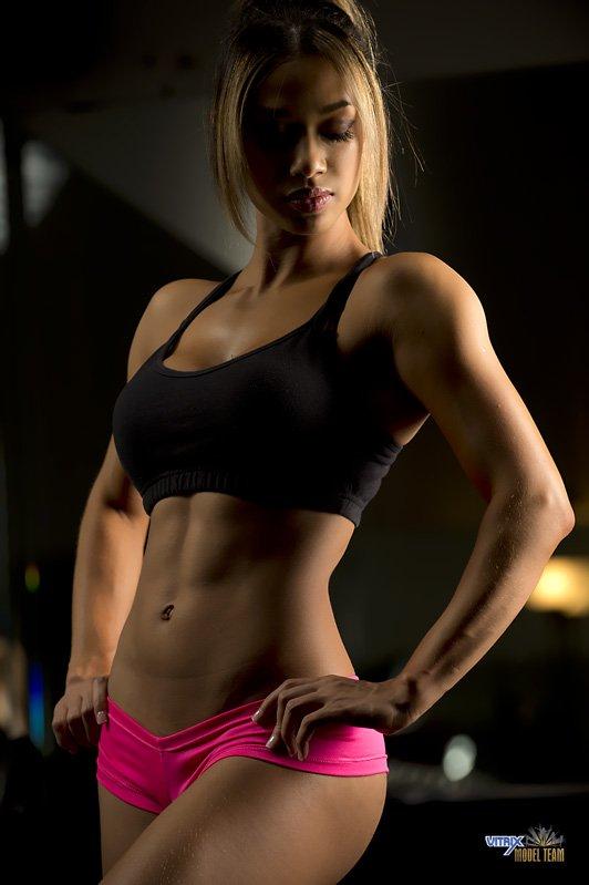 筋肉女261