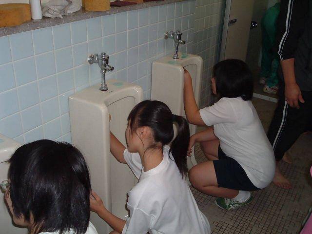 トイレ112