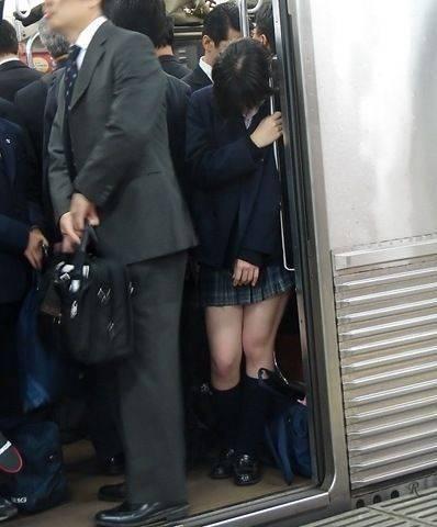電車881