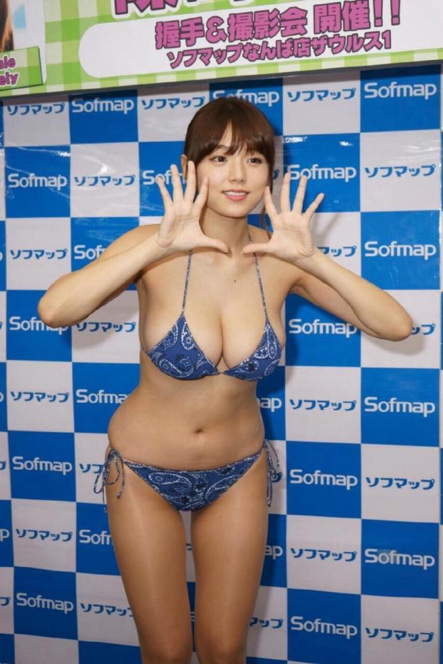 篠崎愛11