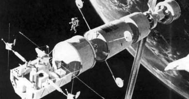 Biyouydular: Uzay Serüveninde İlk Canlılar