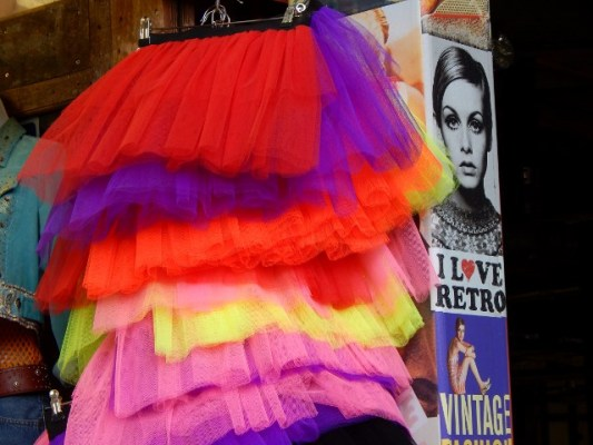Twiggy meets Petticoat