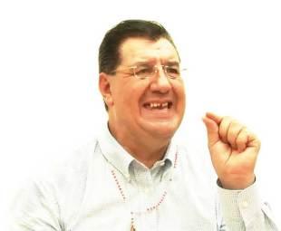 Acabado y desprestigiado, Gonzalo Yáñez es un cadáver viviente al que difícilmente algún partido político querría postular para un cargo de elección popular.