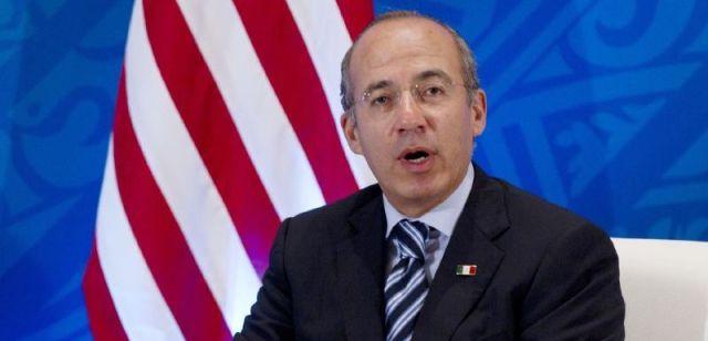 Felipe Calderón, uno más de los ex presidentes mexicanos que se hacen socios o empleados de empresas extranjeras saqueadoras de nuestras riquezas nacionales, a las cuales beneficiaron cuando fueron mandatarios.