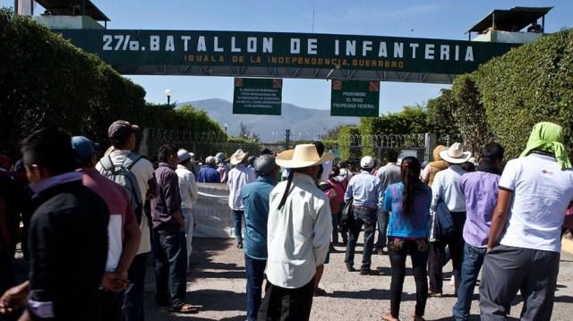 """Ya no es sostenible la """"verdad histórica"""" del gobierno de Enrique Peña Nieto y se revela la participación directa del Ejército mexicano en el genocidio de Iguala."""
