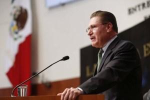 Dr. José Rosas Aispuro Torres, gobernador de Durango, tendrá que brindar protección al director del periódico Palabra Vecinal ante las amenazas de la prepotente alcaldesa gomezpalatina Juana Leticia Herrera Ale.