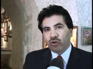 Dr. José Ramón Enríquez Herrera, alcalde de Durango, sus colaboradores no lo apoyan para atender las peticiones de los ciudadanos.