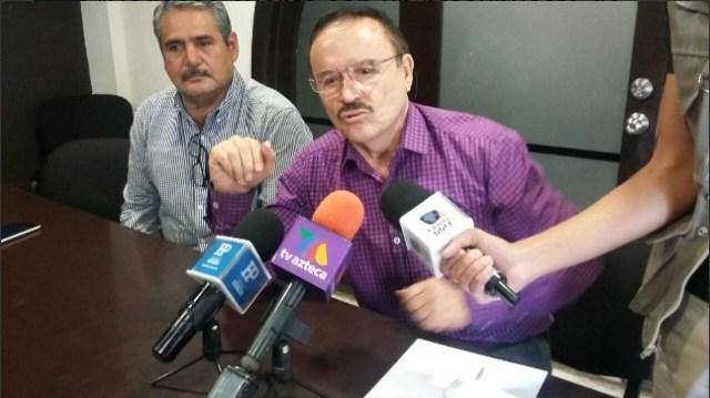 Profr. Marcos Cruz Martínez, secretario de la SEDESOE. Los recursos de esta secretaría para beneficiar a su hermano Juan Cruz y a la militancia perredista.