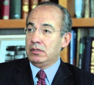 Felipe Calderón, entregó al gobierno estadounidense la política exterior mexicana en las materias económica y de seguridad.