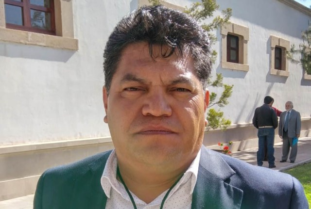 Lic. Denis Galindo Bustamante, director del Instituto Duranguense de Educación para Adultos. Continúan los despidos injustificados y el hostigamiento laboral.